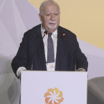 Aurora Prize Co-Founder Vartan Gregorian delivers welcome address at the Aurora Dialogues