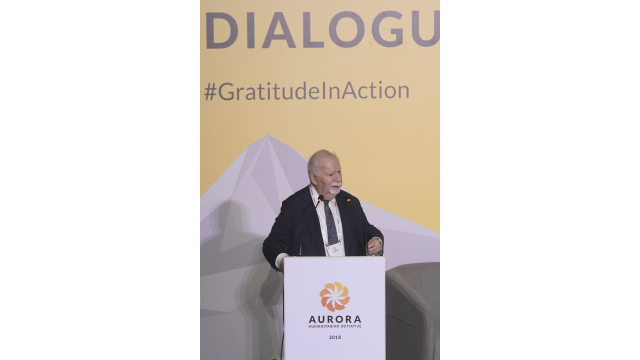 Aurora Prize Co-Founder Vartan Gregorian delivers welcome speech at the Aurora Dialogues