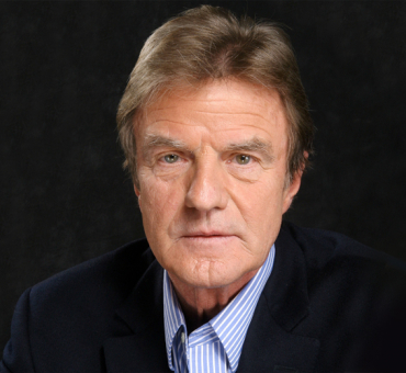 Bernard Kouchner Joins the Aurora Prize Selection Committee main image